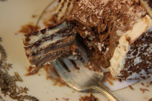 Tarta de galletas con crema pastelera